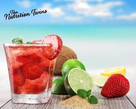 Give Thanks Detox by Slimming Strawberrry Mint Detox Spritzer Nutrition