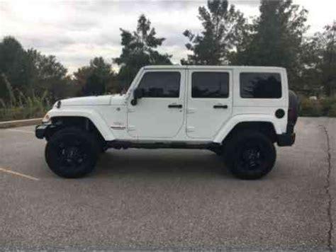 jeep wrangler 2013, i have for sale a white sahara hard