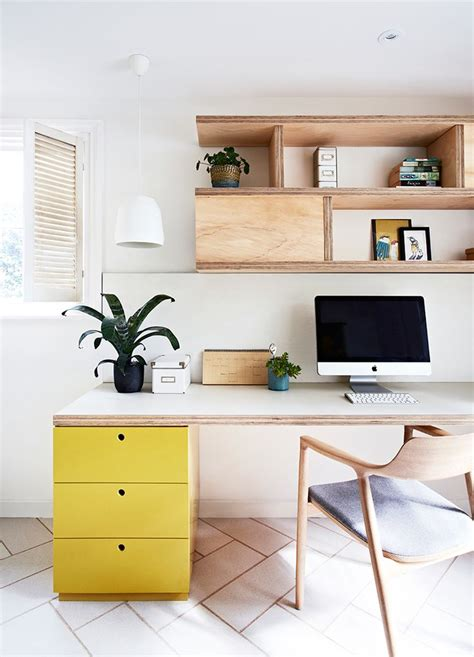 lavoro da casa con un workspace di design per lavorare da casa con stile