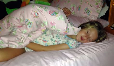 Src Ru Girl Sleeping Images Usseek Com