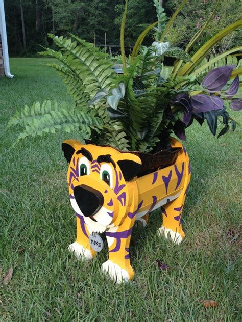 animal planters wooden animal planter lsu mike the tiger