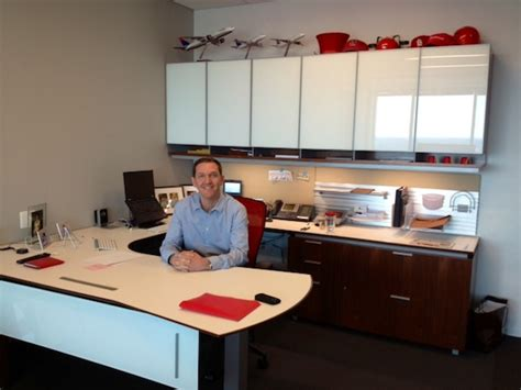 Red Kitchen Design Ideas red hat ceo runs his billion dollar company from this uber