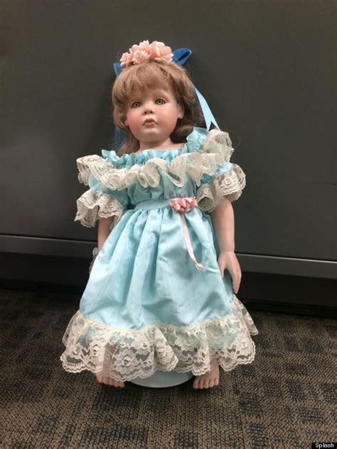 porcelain doll que es creepy porcelain dolls left at family homes with