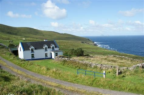 cottage irlanda bolus cottage with a stunning sea view on the south