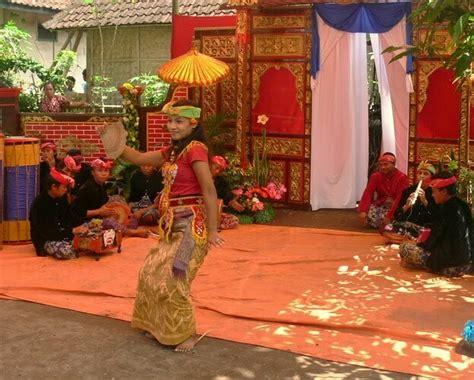 tarian tradisional suku lombok paket wisata lombok
