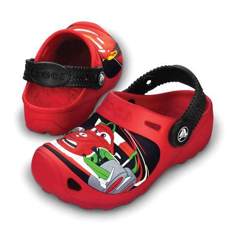 Sandal Anak Cars Clog crocs cars 2 custom clogs tofflor vardagsskor skor timarco eu