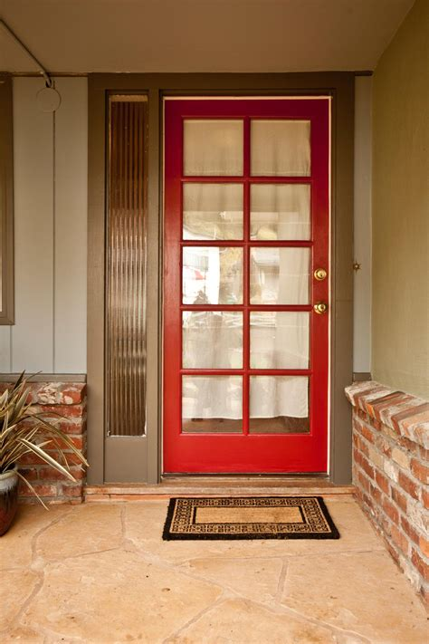 17 Inviting Front Doors Interior Design Styles And Color Hgtv Front Door Colors