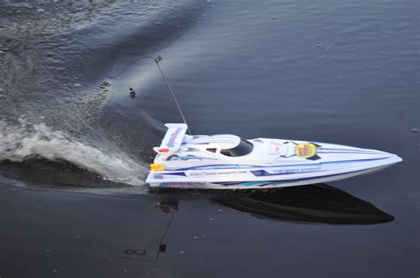 rc boats catching fish radio ranger remote control boat that catches fish