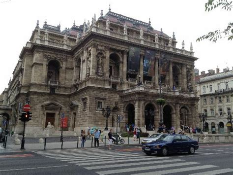 buy a house in budapest budapest opera house picture of budapest operetta