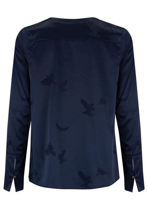 Kasumi Button Light Blue ahlvar kasumi eagle jacquard top midnight blue