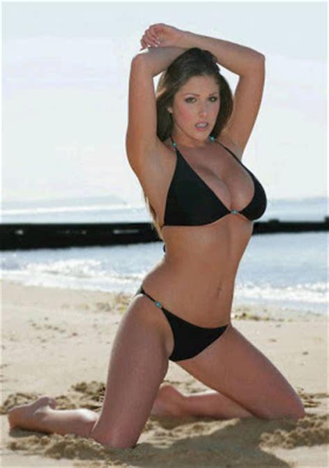 DISNEY BLOGSPOT: Lucy Pinder Looking Sexy In Black Bikini