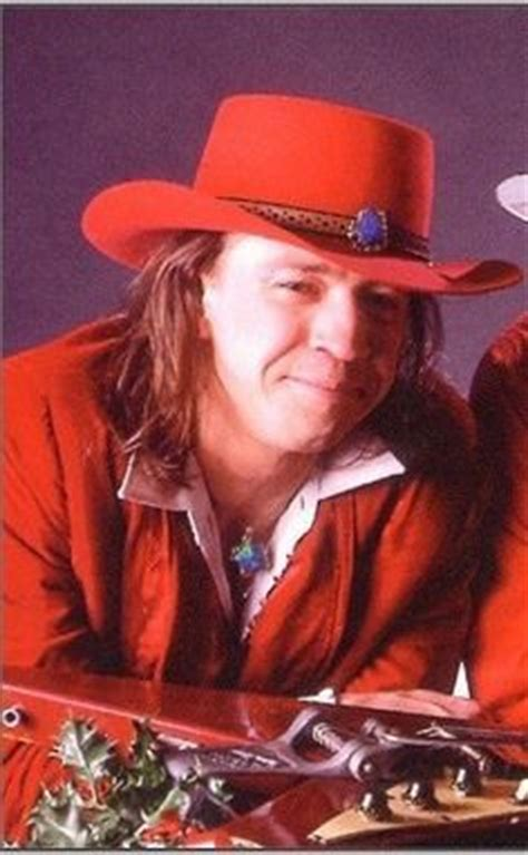 stevie ray vaughn rip  great texas icon   guitar   home pinterest stevie