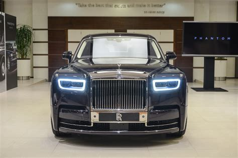 roll royce phantom 2018 2018 rolls royce phantom makes middle eastern debut uae