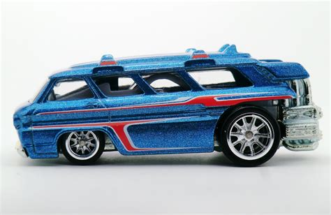 Hotwheels Reguler 8 custom chevy greenbrier sports wagon wheels wiki