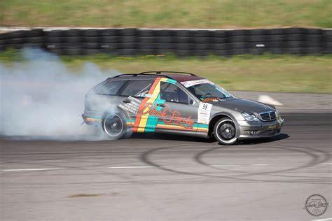 drift wagen black smoke racing mercedes w203 drift wagon engine