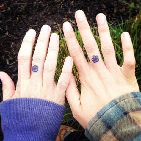 simple mom tattoo 15 mother daughter tattoos that show their unbreakable