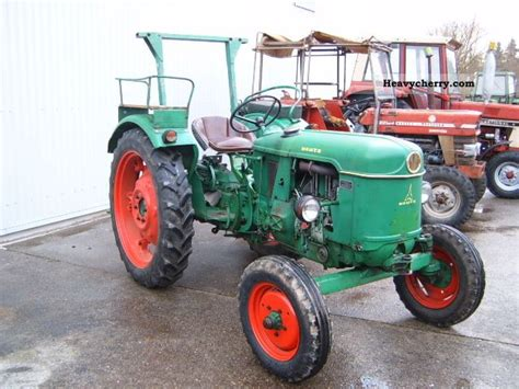 deutz fahr   top  agricultural tractor photo  specs