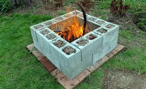 Outdoor Fireplace Cinder Block by Best 25 Cinder Block Pit Ideas On