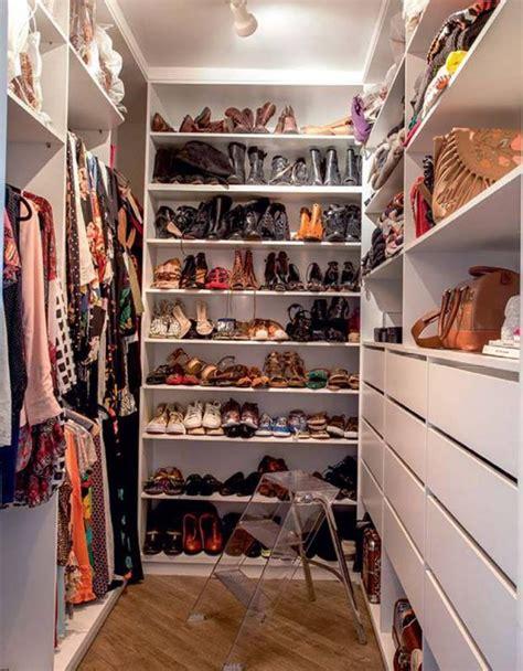 E S Closet by 40 Closets Pequenos Que V 227 O Inspirar Voc 234