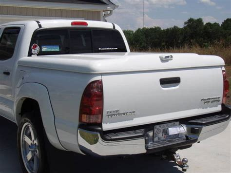tacoma bed cap debating between a tonneau cover or bed cap tacoma world