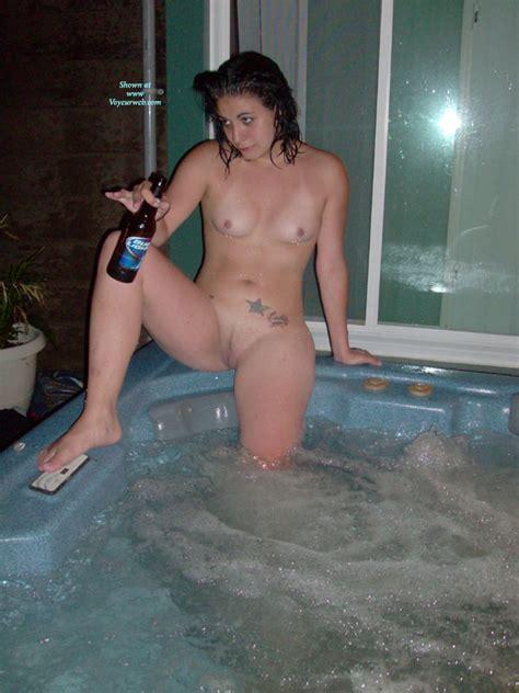 Nude Amateur Hot Tub June 2010 Voyeur Web