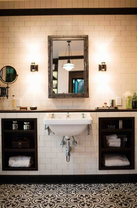 amazing black  white bathroom design   retro vibe