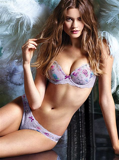victorias secret model behati prinsloo has wardrobe model behati prinsloo zarzar models high fashion