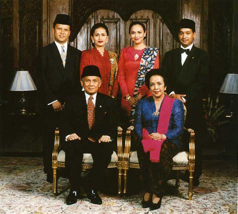 national costume  indonesia wikipedia