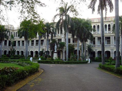 Loyola Chennai Executive Mba by India S Best Commerce Colleges 2013 Rediff Getahead