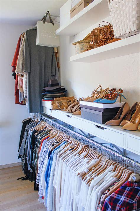 ankleidezimmer klein ideen ankleidezimmer ankleideraum modeblog fashionblog
