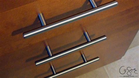 installing handles on kitchen cabinets 68 best cabinet handles images on cabinet