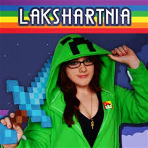 imagenes niña llorando lakshart nia wiki youtube pedia fandom powered by wikia