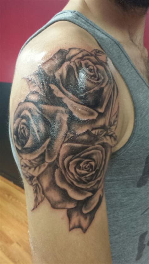 skin tight tattoo roses fresh out of the chair by jake at skin tight