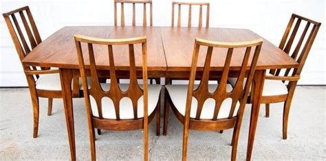 broyhill brasilia dining room set 301 moved permanently