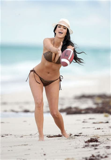 diary lifestyles: kim kardashian miami beach bikini
