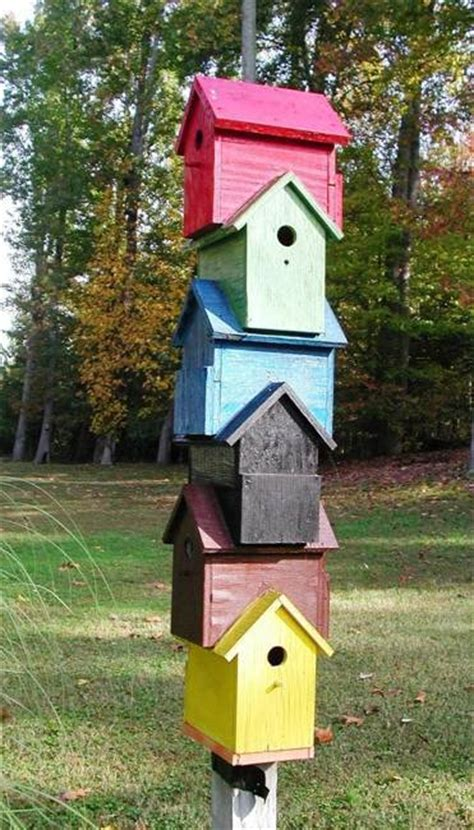 best 25 recycled wood ideas on recycled homes recycled wood furniture and pallet recycling salvaged wood for birdhouses 25 recycled crafts and backyard ideas