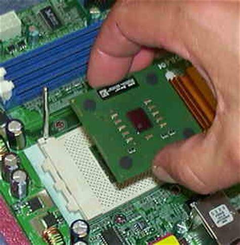 Cpu Sockel Herausfinden by Computer Zusammen Bauen Prozessor Cpu Einbauen