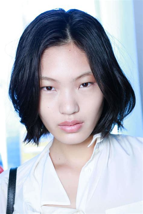 hairstyle for oblong asian face the most fashionable hairstyles for oblong faces to try now