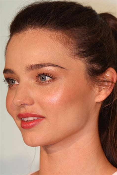 beauty smaller chins in women why the masculine face genetic evidence reveals drawbacks
