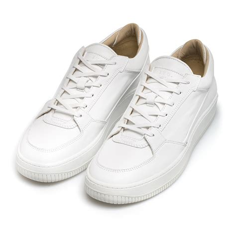 etq amsterdam virtus low top 3 leather sneakers in white