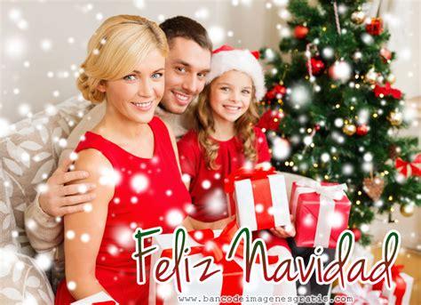 imagenes feliz navidad en familia banco de im 193 genes familia junto al 225 rbol de navidad con