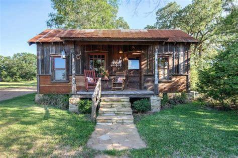 บ านไม เก าช นเด ยวหล งคาม งส งกะส บ าน แบบบ านและการ Tiny Houses For Sale In Houston