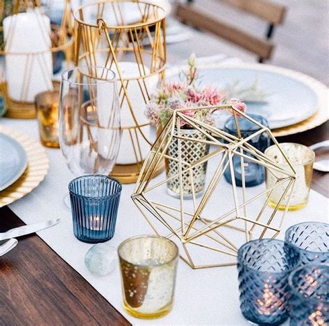 These geometric centerpieces are PERFECT for a glam modern