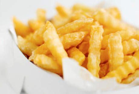 membuat kentang goreng agar tidak lembek masak kentang goreng dengan cara ini agar tidak picu kanker