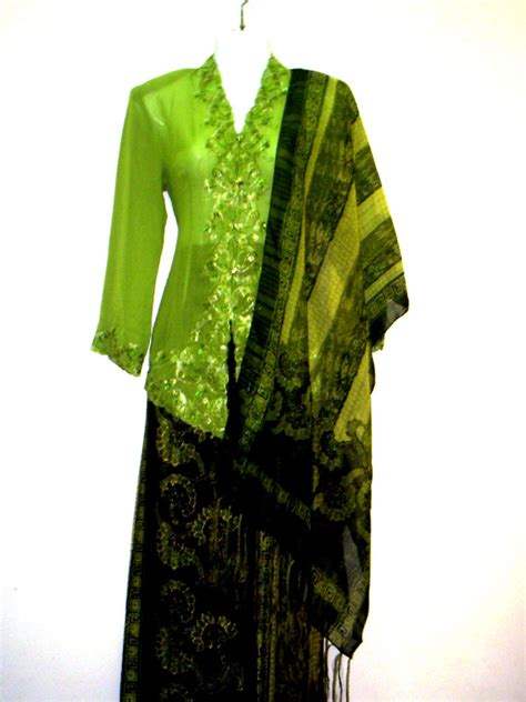 desain baju batik sarawak baju kebaya modern