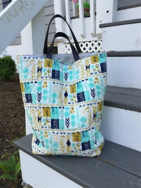tutorial videos for quilting and tote bags quilted diy tote bag favecrafts com
