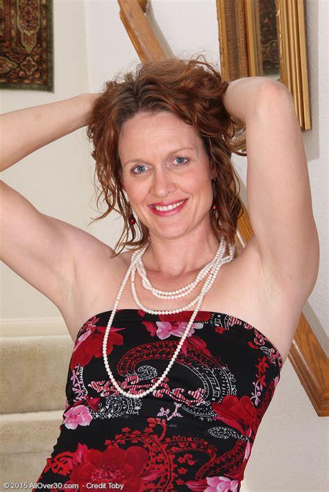 hot older women 35 year old roxanne