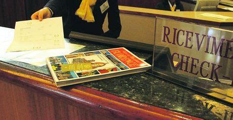 imposta di soggiorno bologna tassa di soggiorno 37 albergatori incassano 1 6 milioni e