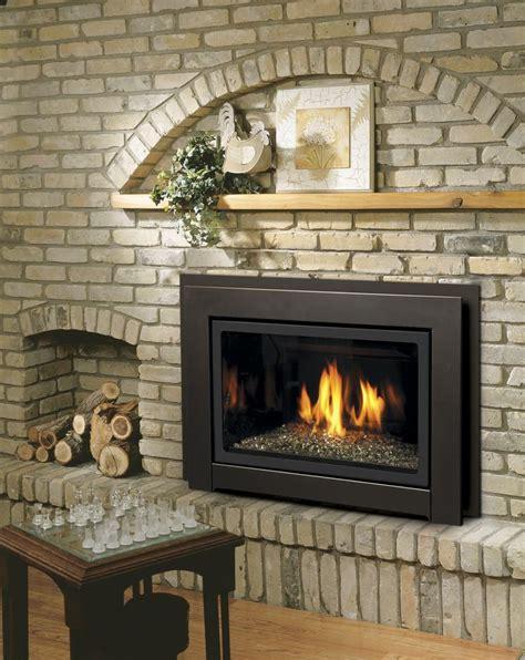 gas burning fireplace logs best 25 gas log insert ideas on