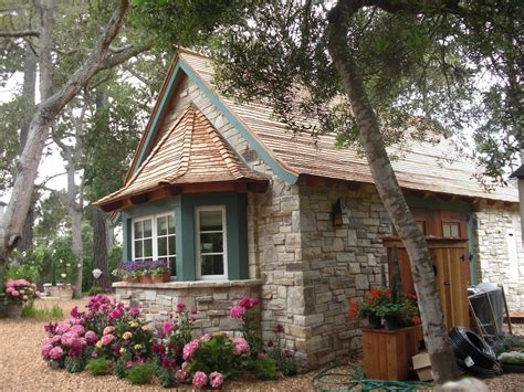 Tiny House Cottage by Second Act